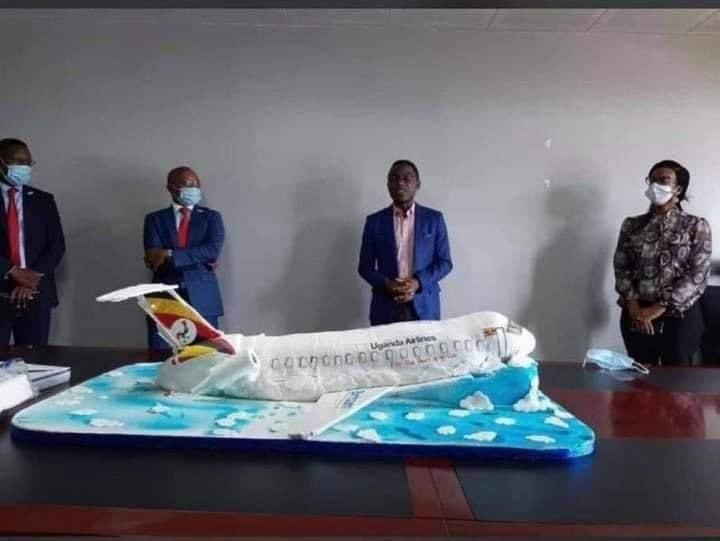 Ugandan Airlines anniversary cake which looks like a 'crashed airplane' leaves Twitter users in stitches lindaikejisblog 5