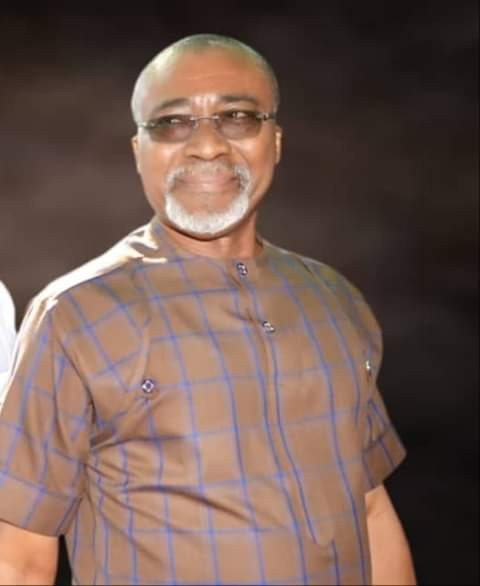 The only person from south-east in Aso Villa is a photographer - Abaribe lindaikejisblog