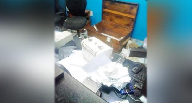 Robbers attack commercial bank in Ondo lindaikejisblog 2