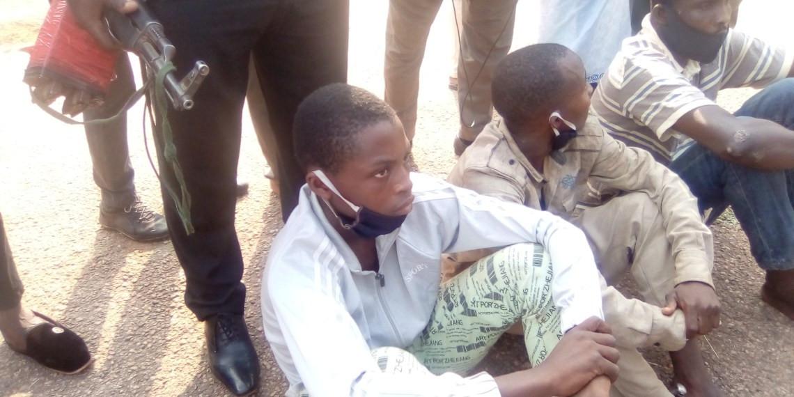 Two men arrested for selling decapitated heads of murdered policemen for N1000 lindaikejisblog