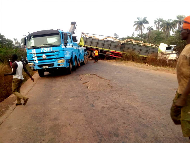 23 people killed after truck conveying humans and cows crashed in Niger state lindaikejisblog 3