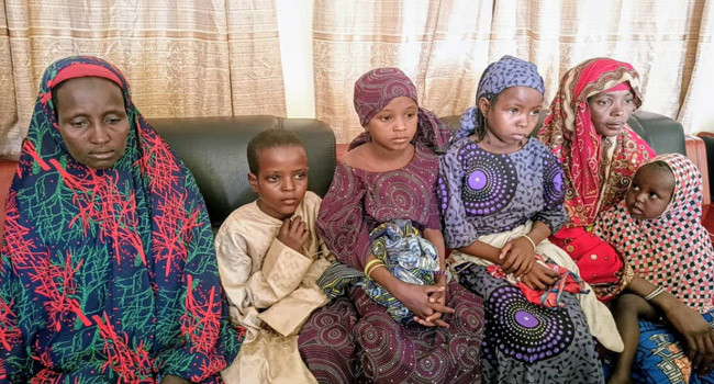 Police reunite three 'abandoned' children with their family 1