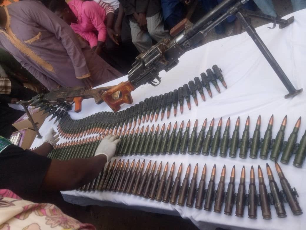 Suspected Niger Republic arms dealer and sons arrested in Katsina lindaikejisblog 1