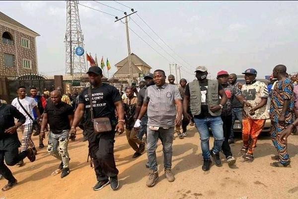 Sunday Igboho arrives Ogun state, declares war on killer herdsmen 2