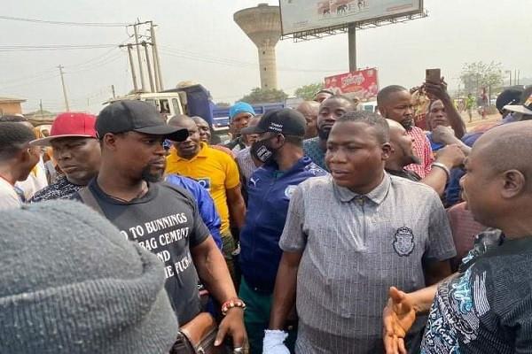 Sunday Igboho arrives Ogun state, declares war on killer herdsmen 3