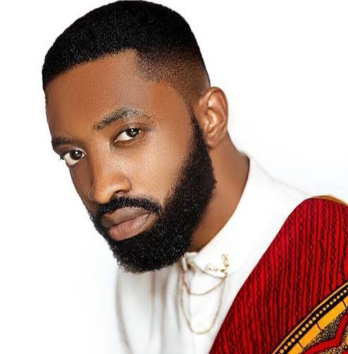 Singer, Ric Hassani says he was robbed at gunpoint by men posing as soldiers