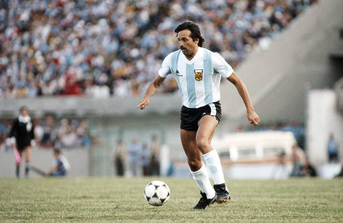 Argentina World Cup winner Leopoldo Luque, dies at 71 after battle with Covid-19