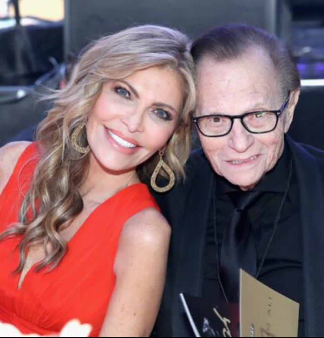 Larry King's widow, Shawn King contests his amended will