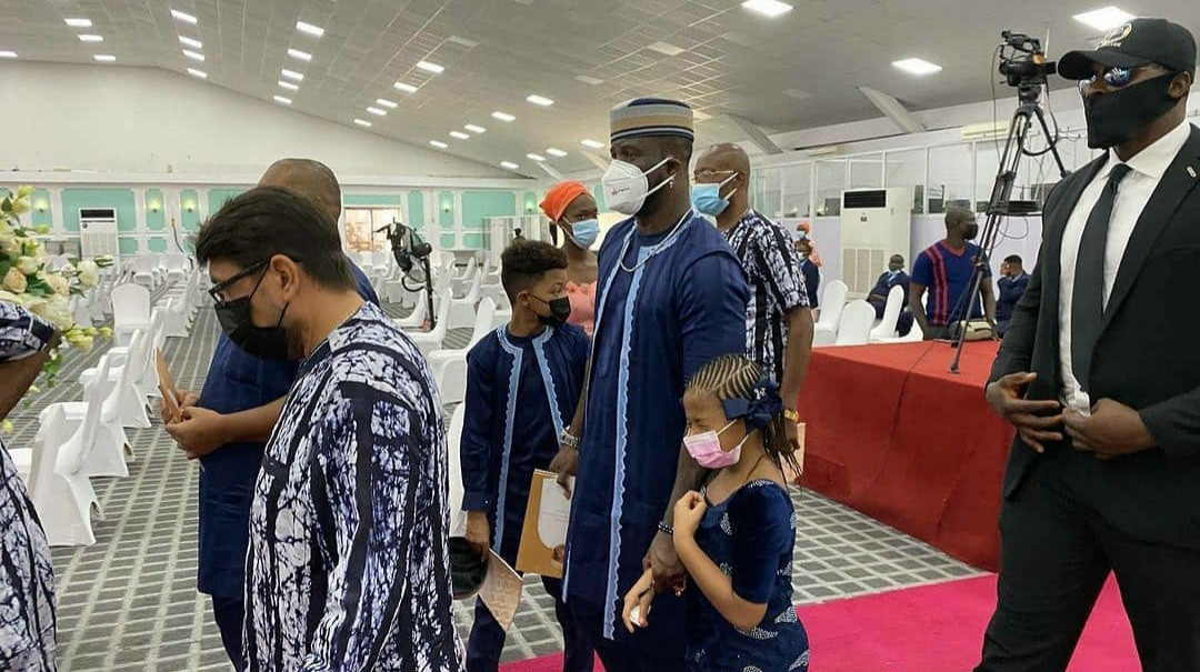 6037937c155c4 Tears flow as Peter Okoye's father-in-law is laid to rest (photos/video)