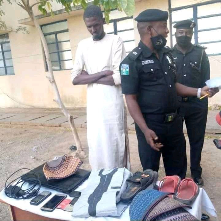 6037d2c425ab9 Man arrested for stealing valuables from his girlfriend's home in Katsina (photos)