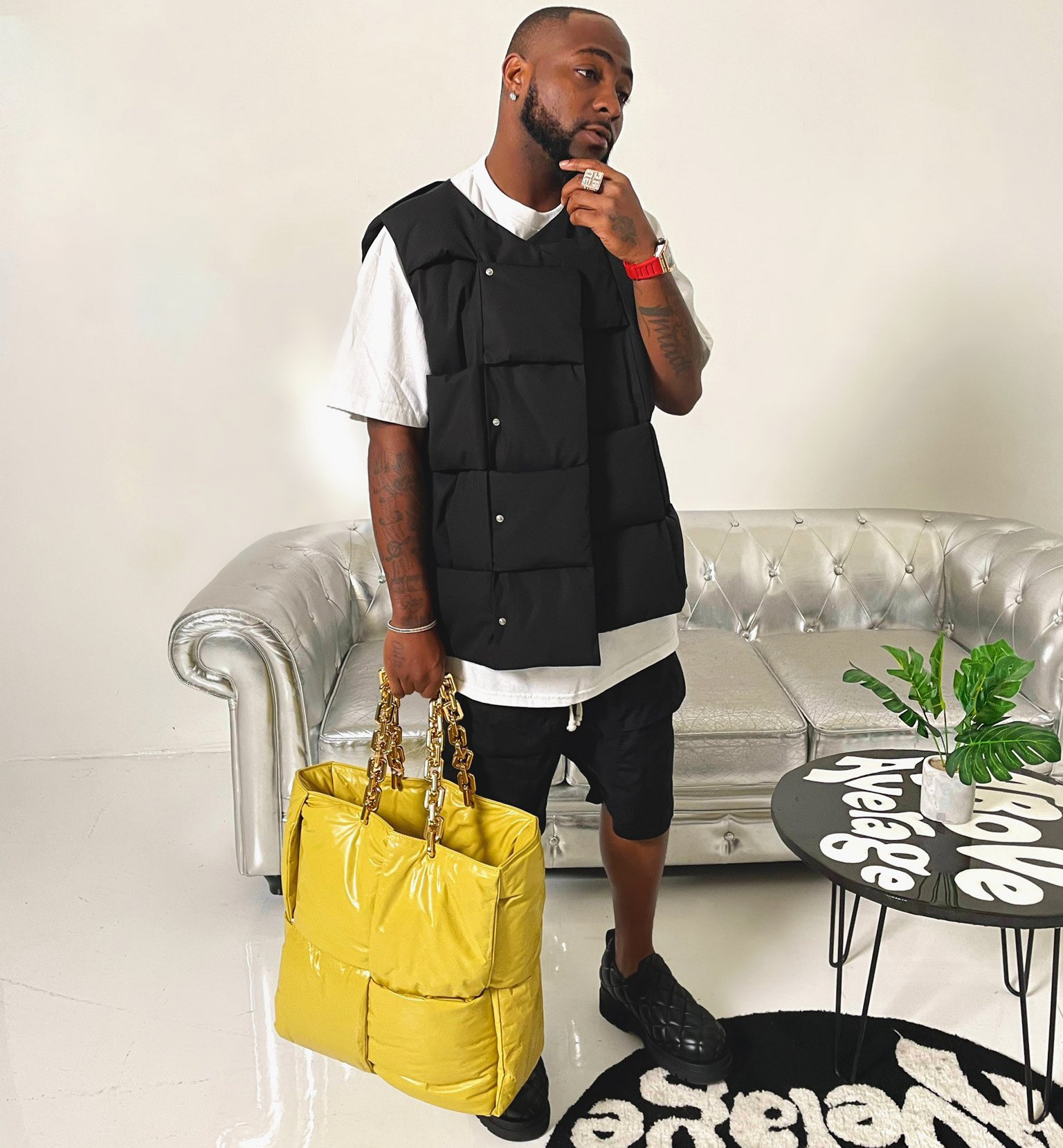 Davido reacts as it's revealed that a man who recently styled him used to bash him and his music years ago
