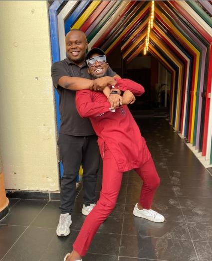 Singer D'Banj and former manager, Bankuli reconcile (video)