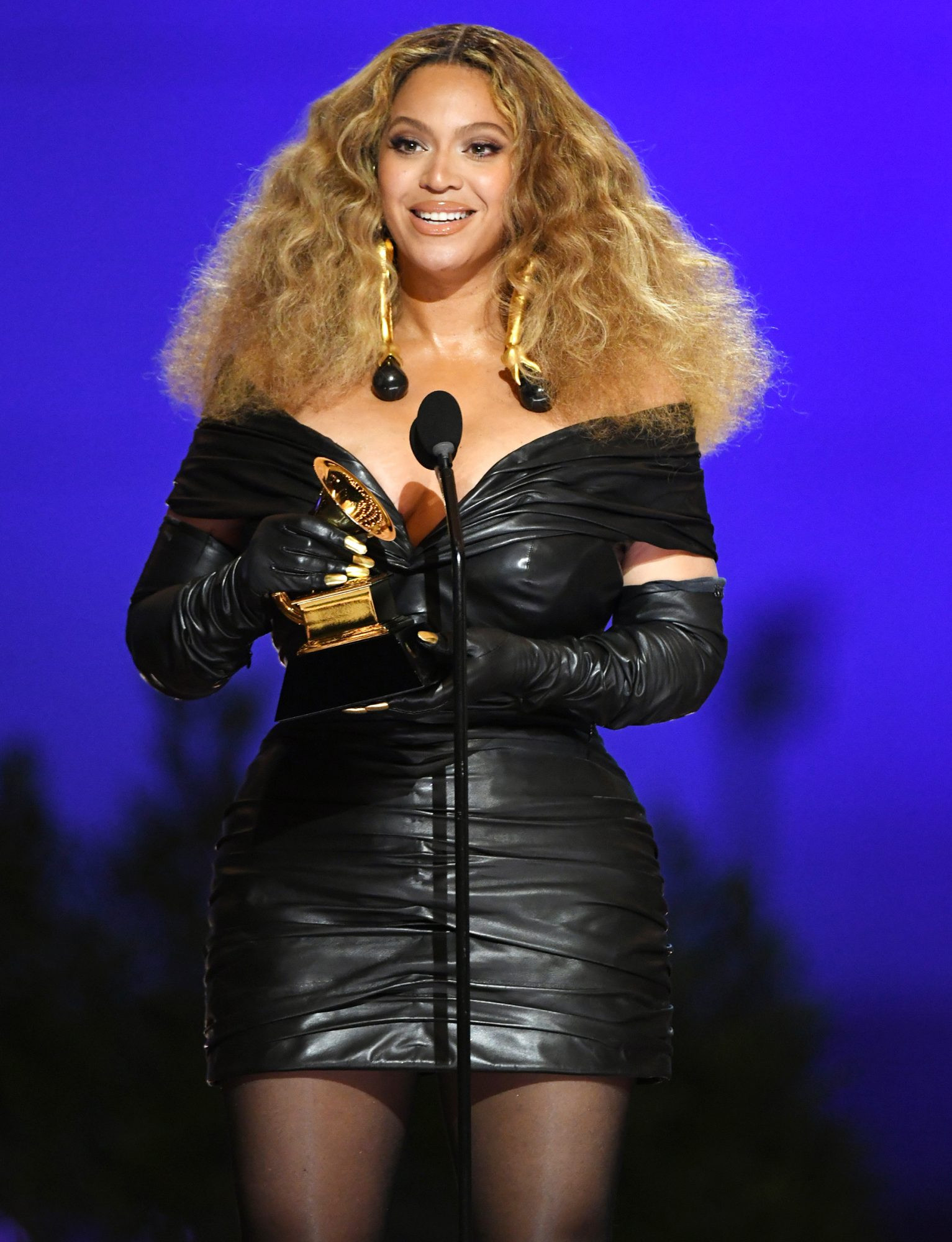 Beyonc makes history with 28th Grammy win, becomes the most-decorated female artist of all time