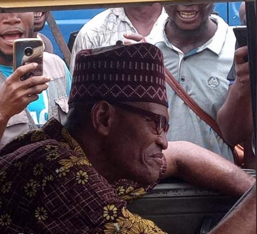 Nigerians react as President Buhari's look alike is spotted in Lagos 6