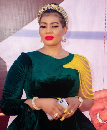 """""""Is crossdressing about to become a pandemic in Nigeria?""""- Actress Nkiru Umeh asks"""