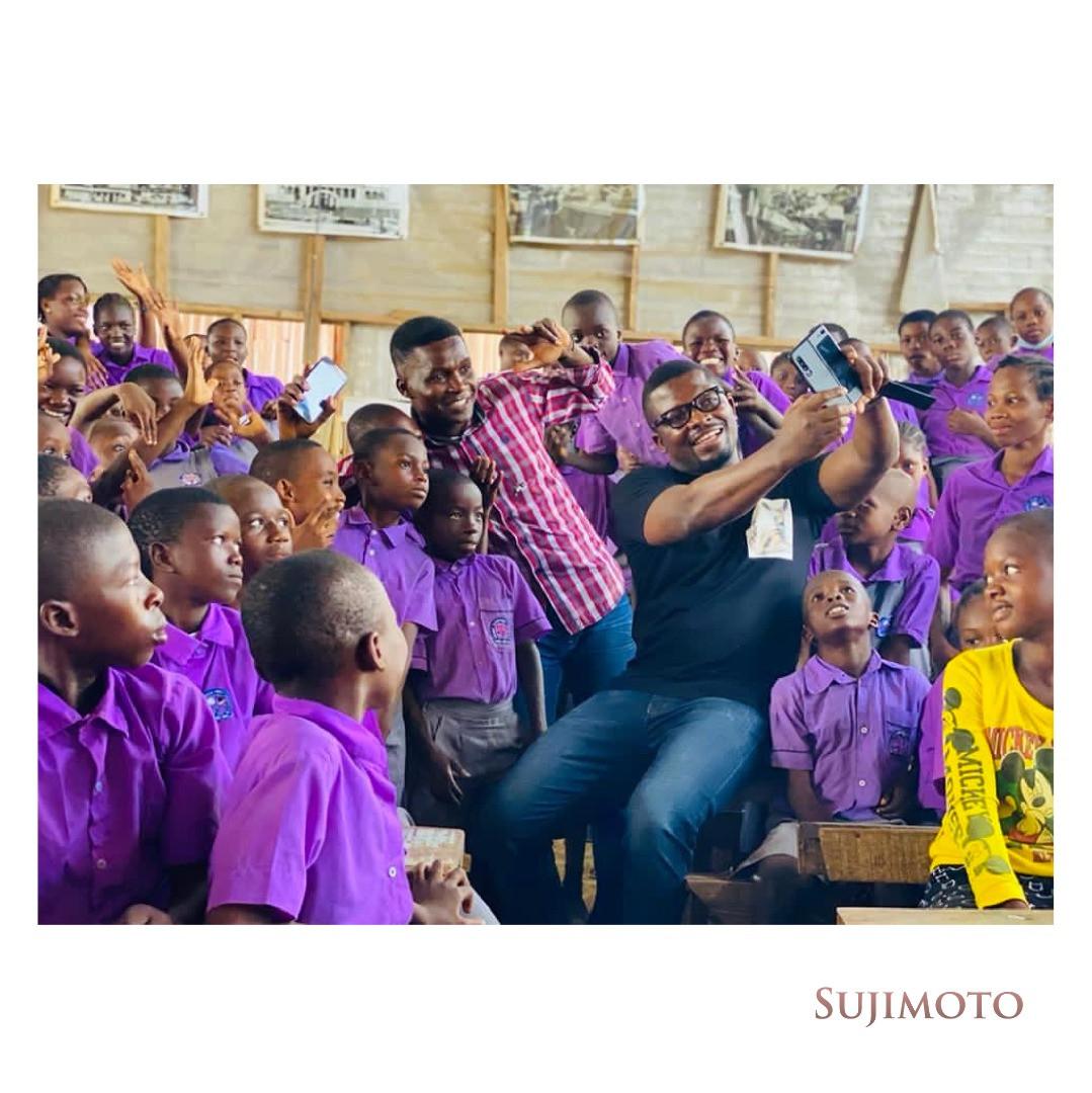 Sujimoto Gives Bags Of Goodies, Cash Prizes & A Lifetime Scholarship To Students Of The Lagos Free Slum School, Ilaje, Bariga, Lagos lindaikejisblog