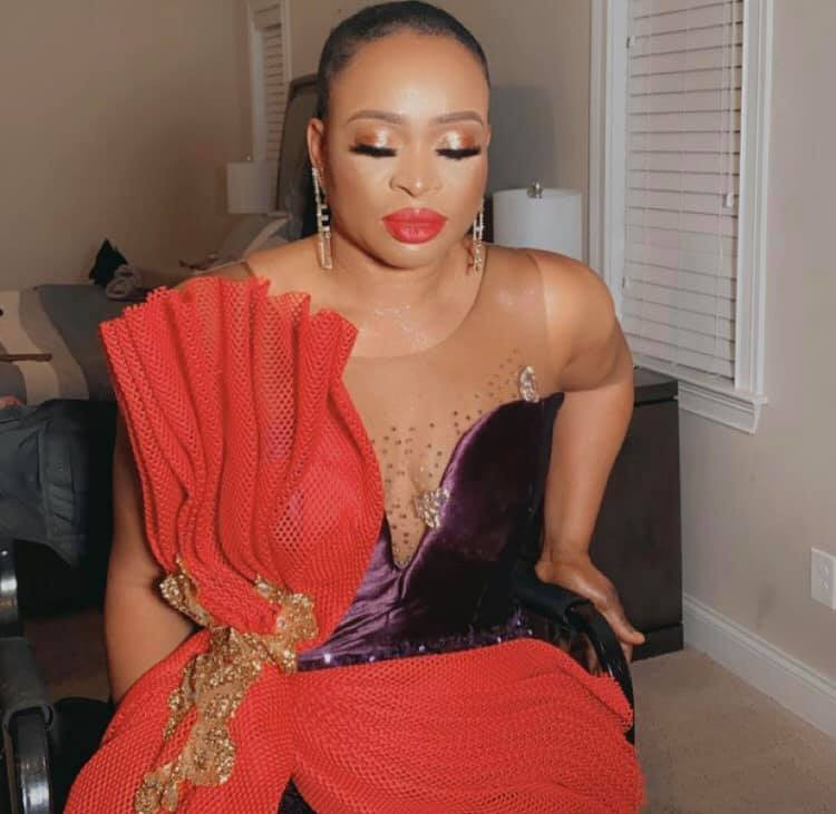 Nigerian lady throws a party to celebrate her divorce 4