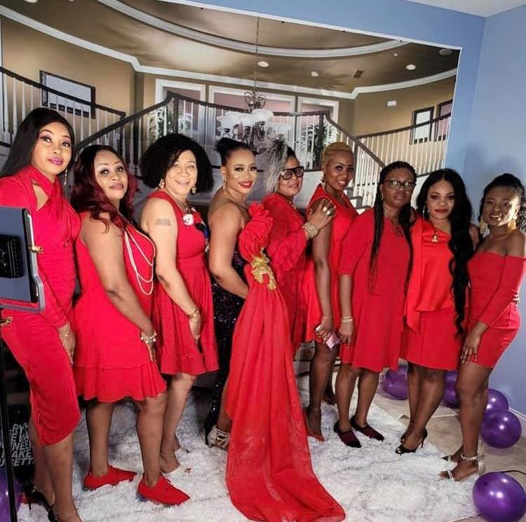 Nigerian lady throws a party to celebrate her divorce 8