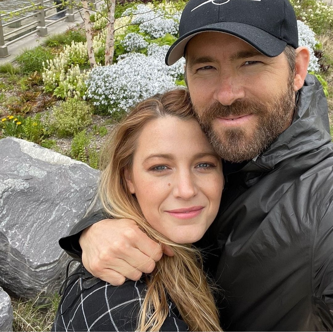 """Ryan Reynolds jokes that his relationship with wife, Blake Lively, started when they had an """"anonymous airport bathroom sex"""""""