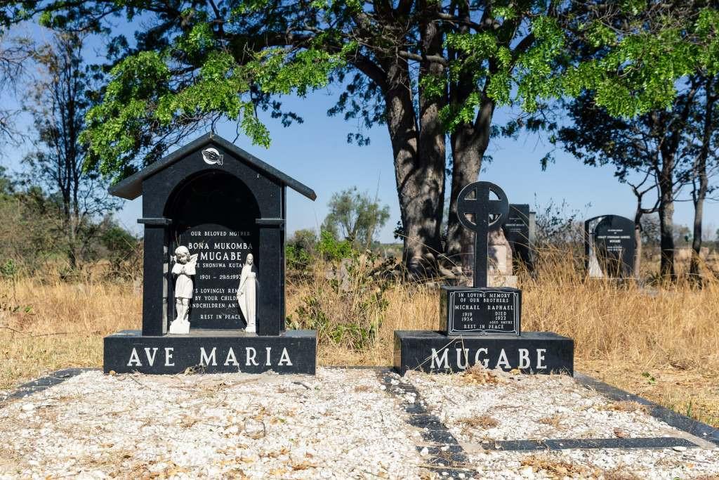 Former Zimbabwean First Lady, Grace Mugabe summoned for 'improperly' burying her husband Robert Mugabe 3