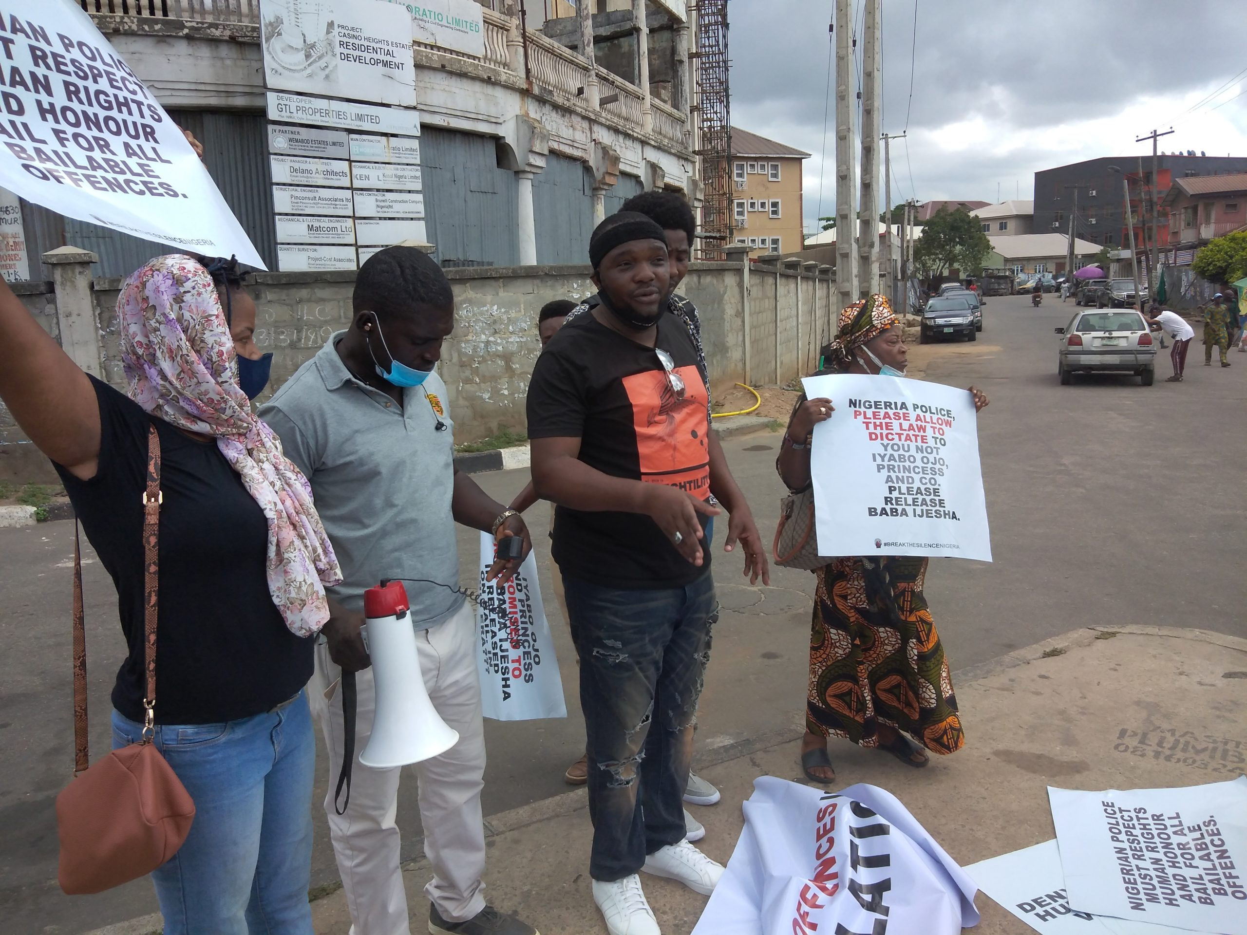 Rape: We will keep Baba Ijesha till court workers resume from strike - Lagos police commissioners tells Yomi Fabiyi and other protesters