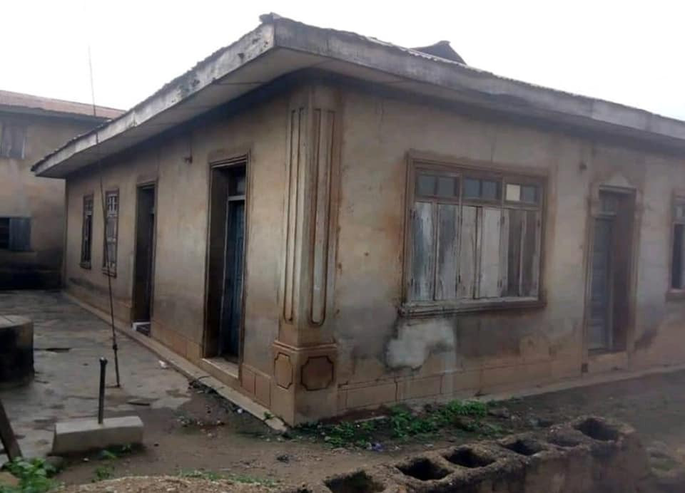 Pastor renovates 60-year-old dilapidated mosque where he used to play with his Muslim friends  5