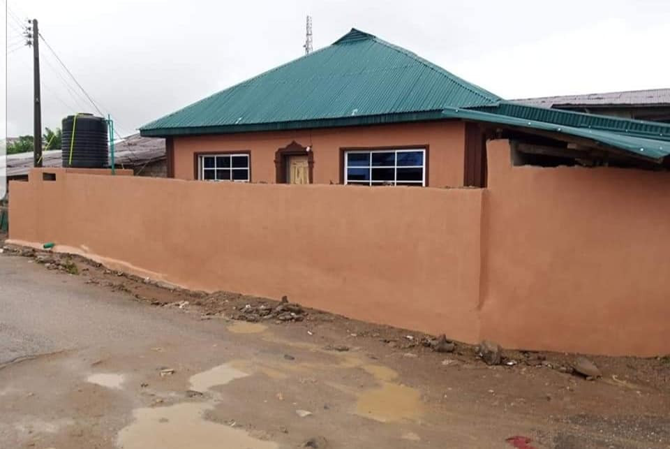 Pastor renovates 60-year-old dilapidated mosque where he used to play with his Muslim friends  3