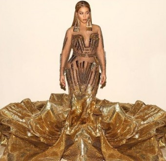 Gorgeous Beyonce shares more photos of her magnificent look to the Wearable Art Gala