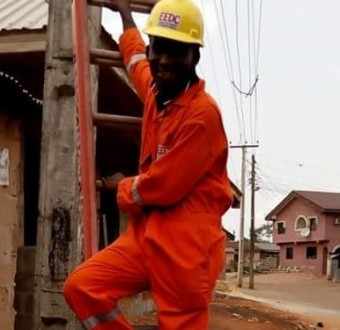 Photos: Corps member escapes death by electrocution a week after surviving motor accident
