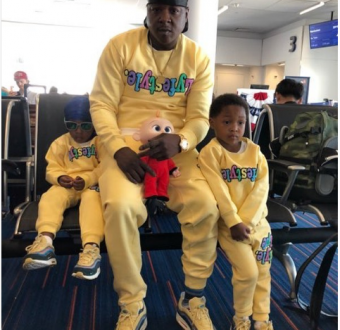 Adorable photo of veteran rapper Jadakiss and his kids twinning in matching sweat suits and sneakers