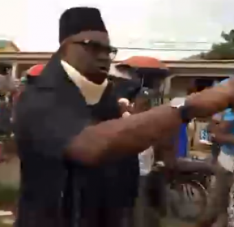 Ekiti state indigenes go wild as Fayose makes first public appearance since last Saturday