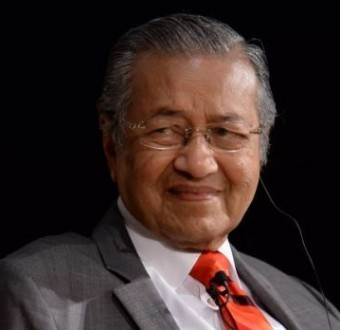 Malaysian Prime Minister, Mahathir Mohamad, 93, becomes the oldest leader in the world