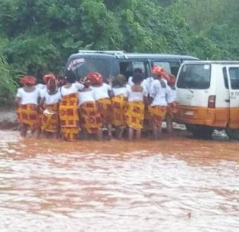 Imo state women on their way to