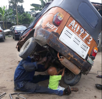 Man narrates what transpired after he encountered a mechanic and his toddler repairing a keke