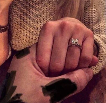"Viral story of man who proposed by hiding the ring ""in his penis"" shocks people"