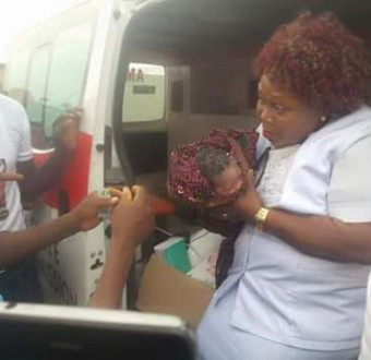 Photo: Woman delivers baby girl at PDP campaign ground in Ethiope East, Delta State