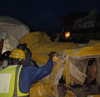 Three injured as truck rams into commercial bus i... Image